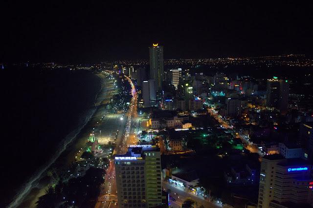 бар в Нячанге с панорамным видом в отеле Гавана