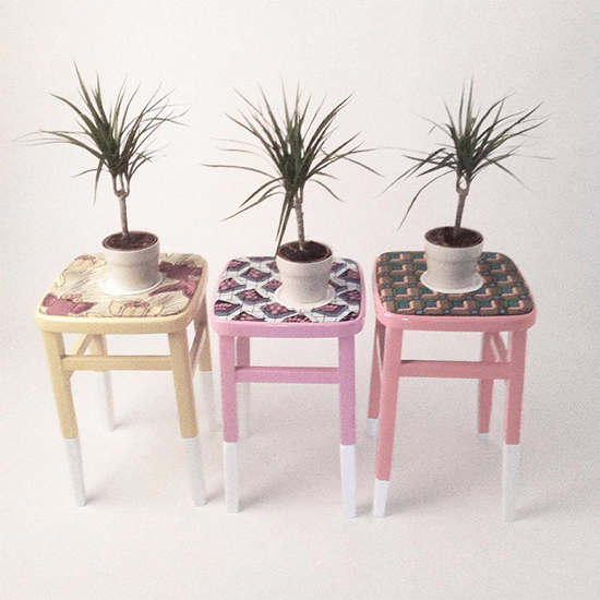 banco, banco colorido, banco com almofada, banco azul, colorful furniture, Yinka Ilori