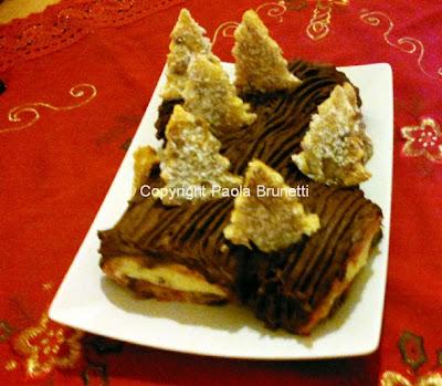 Tronchetto Di Natale Panettone.La Cucina Di Paola Brunetti Tronchetto Di Natale Con Il Panettone
