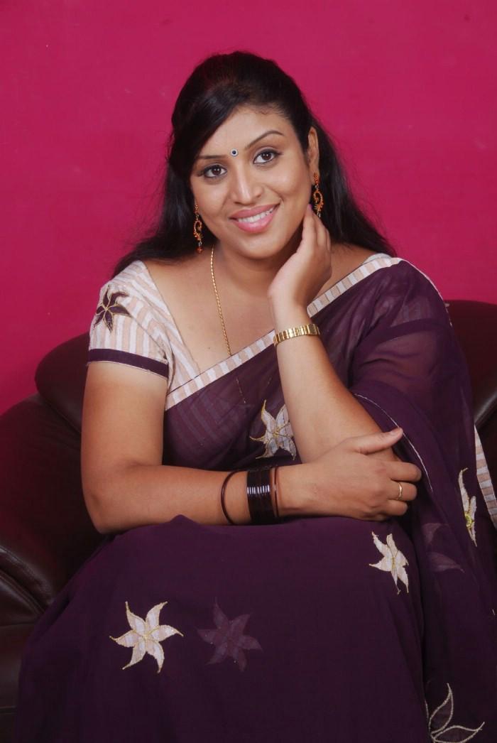 ... Actress Video and Photo Gallery: TV Serial Hot Actress Sexy Uma Photos