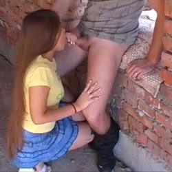 Sexo na Casa Abandonada - Videos de Sexo Amador - http://www.videosamadoresbrasileiros.com