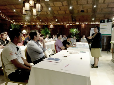 Box jelly fish awareness presentations for Koh Samui hotel staff January 2016