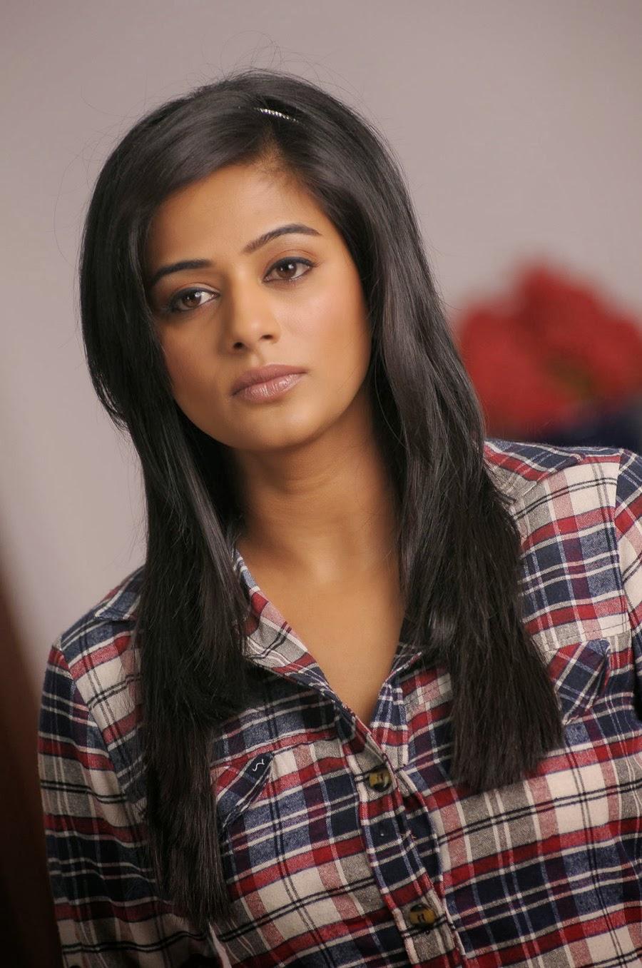 Priyamani photos from Chandi Movie-HQ-Photo-18