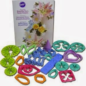 Wilton flower cutter set with plunger cutters.