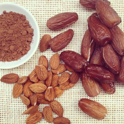 Fudge dattes cacao amandes