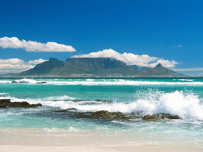 Beach with beautiful wave wallpapers