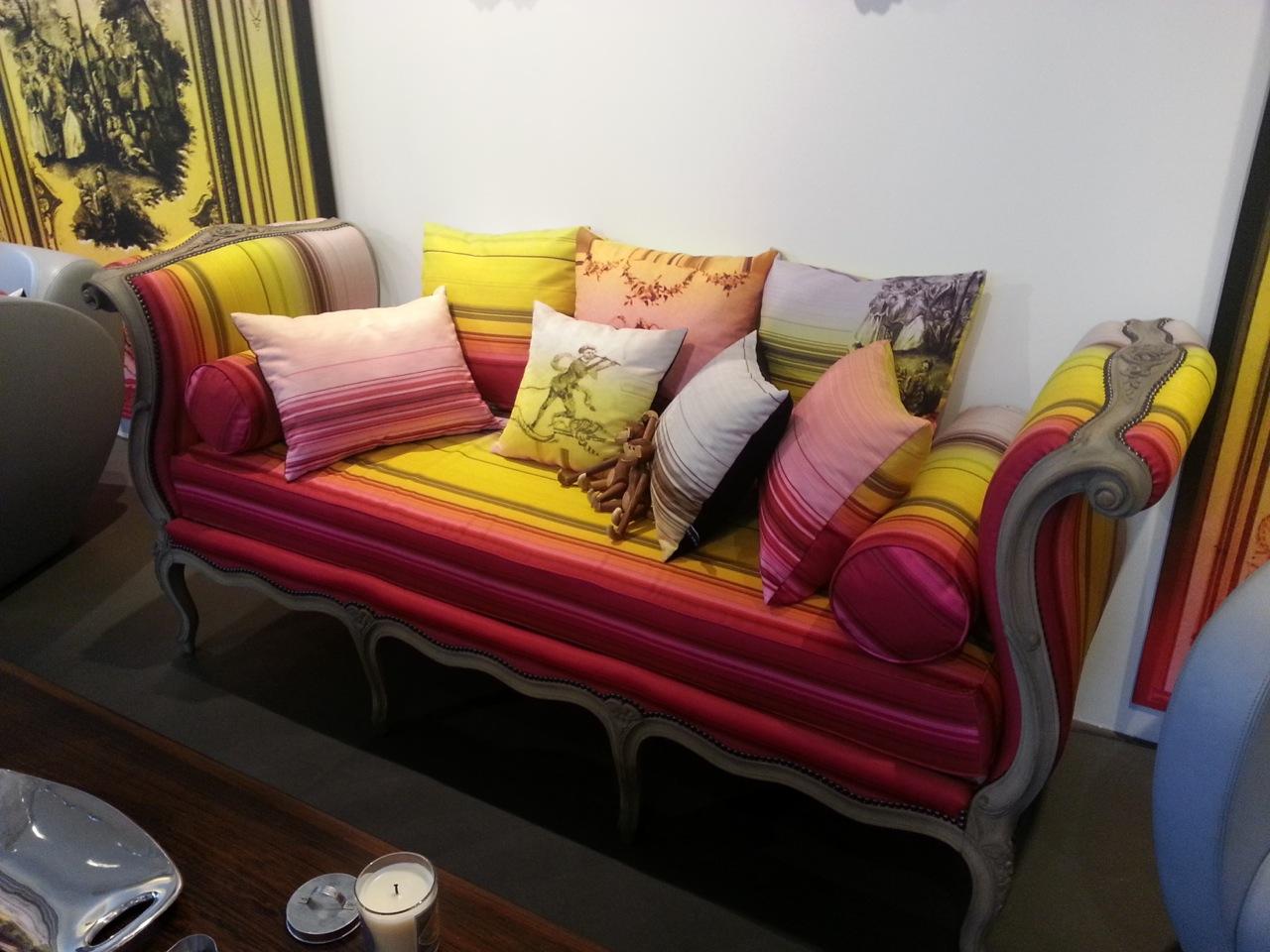 rose de fontaine avril 2013. Black Bedroom Furniture Sets. Home Design Ideas