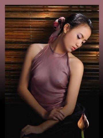Vẽ đẹp Phụ Nữ Việt xưa với áo yếm lụa 5