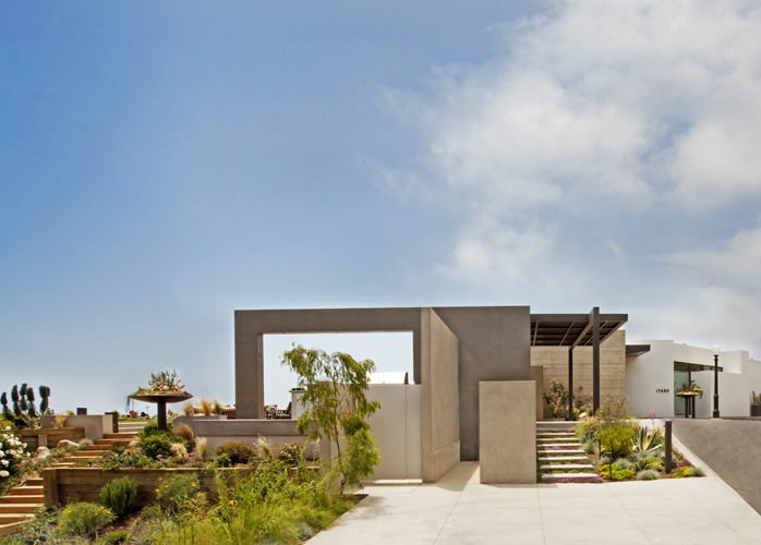 Terrace of Ravello Residence by Shubin + Donaldson Architects