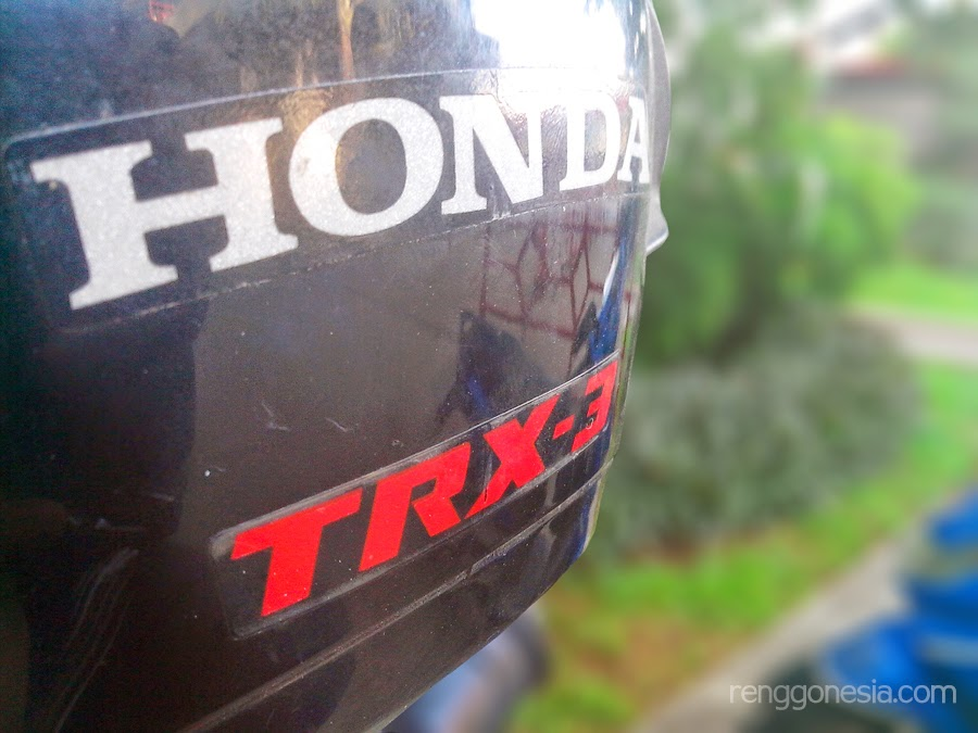 Helm GM, TRX 3, Helm Honda