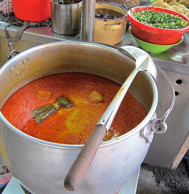 Foon-Zhong-Foon-Yew-Curry-Laksa-Johor-Bahru-寬中辣沙