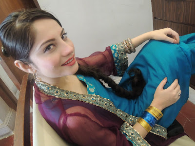 Hot Pakistani Actress Neelam Muneer