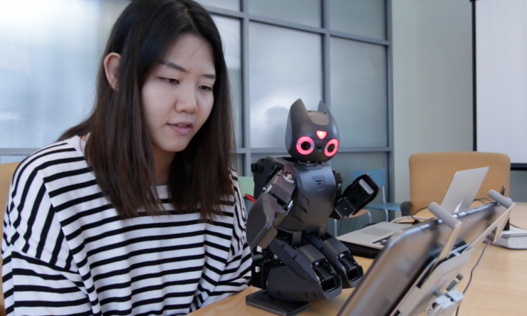 robot playing angry bird game