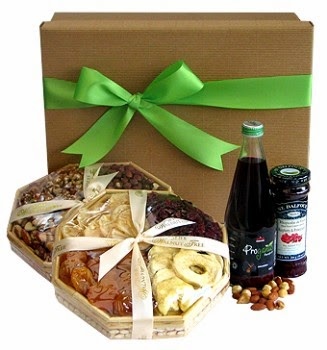Natural gift baskets to the UK