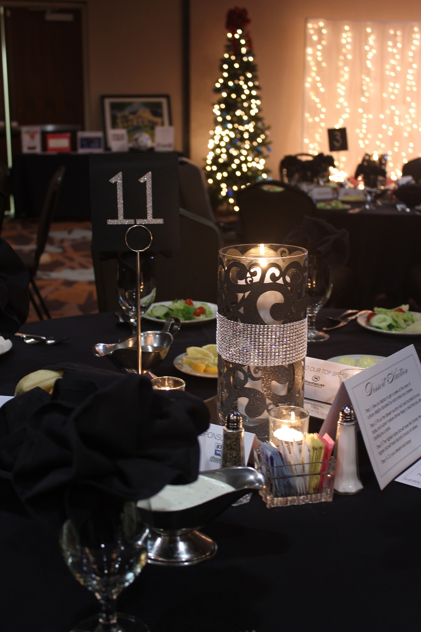 how to set up a silent auction table