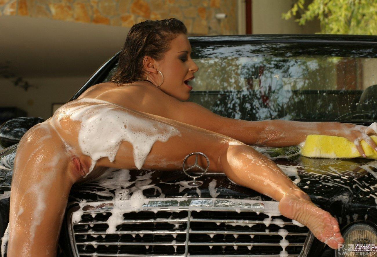 Эротическая мойка авто 12 фотография