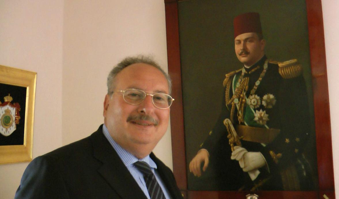 http://4.bp.blogspot.com/-1pfuM6jcwjE/U0XINW8dveI/AAAAAAAAI6A/jR6MTzQaH8s/s1600/54Copia+deH.M.+King+Fouad+II+of+Egypt++(1952)+54the+house-king+fouad.png