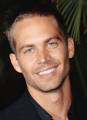 http://www.cnn.com/2013/11/30/showbiz/actor-paul-walker-dies/