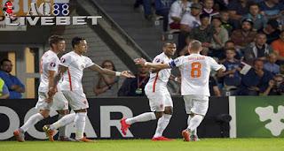 Agen Piala Eropa - Timnas Belanda pernah mengalami bencana besar saat gagal lolos ke Piala Dunia 2002. Kini 'Singa Oranye' dihadapkan pada situasi serupa ketika harus menjaga kansnya tampil di Piala Eropa 2016.