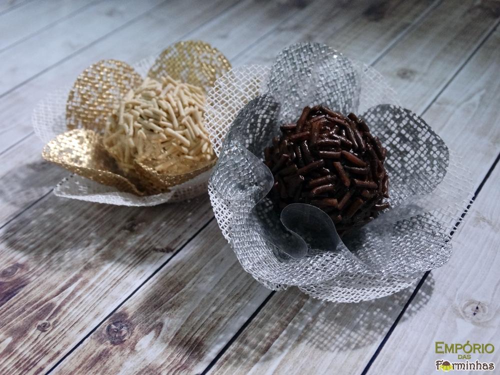Forminhas flor com base rasa