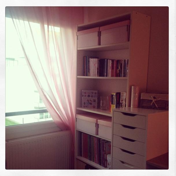 be color full. Black Bedroom Furniture Sets. Home Design Ideas