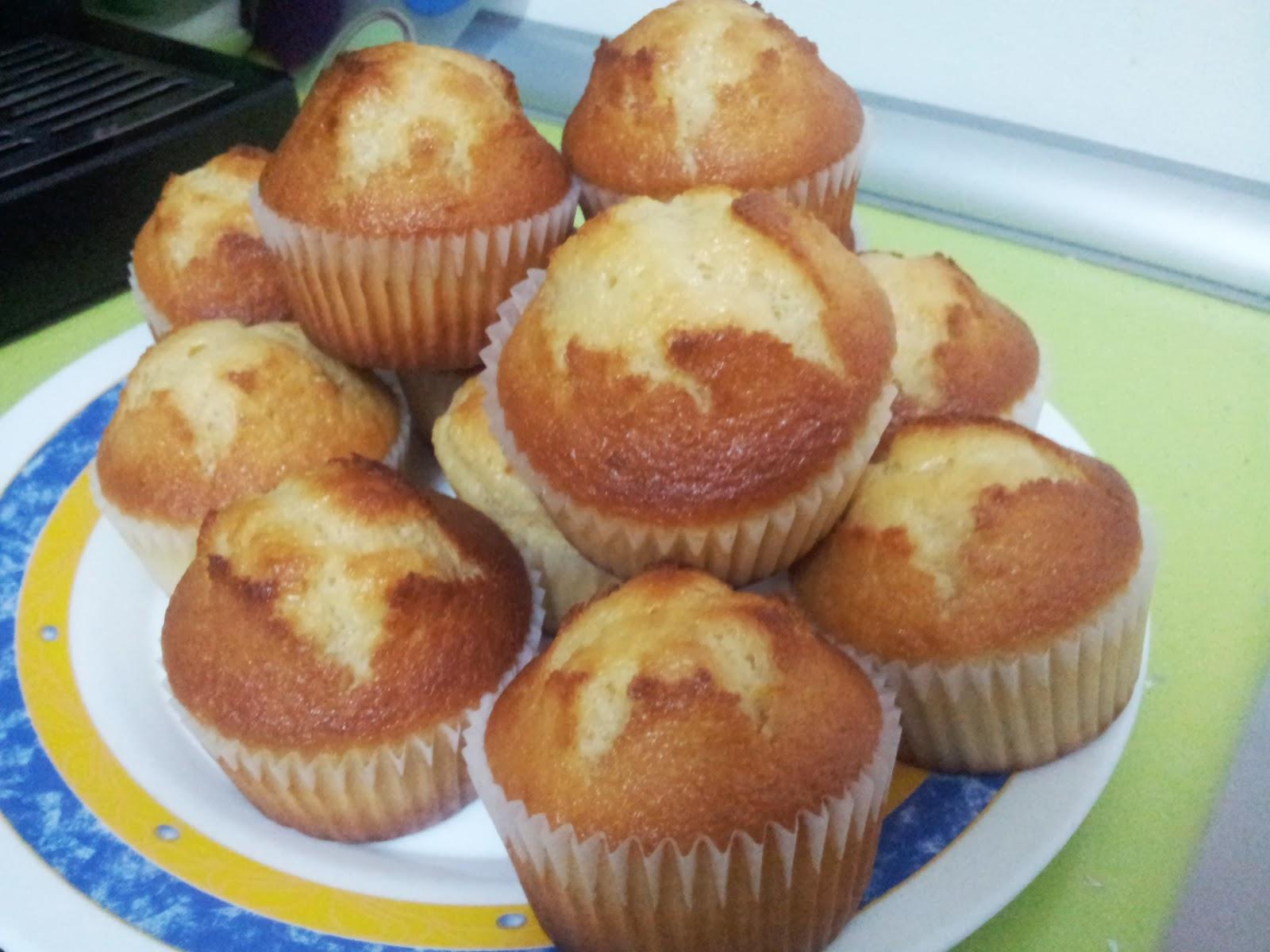 Cocinar y disfrutar magdalenas caseras ricas y esponjosas - Madalenas o magdalenas ...
