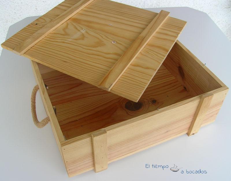 necesitamos una pequea caja de madera en esta ocasin es una caja de regalo de vino no me digis que no tenis o habis tenido una parecida a esta