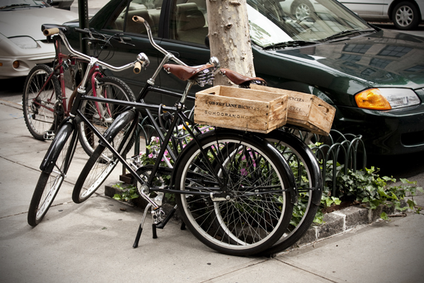 Bicycles parked on the street | West Village | photo Marika Järv