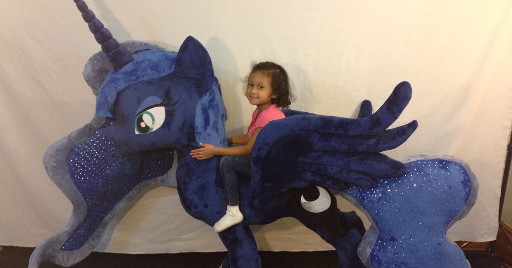 Equestria Daily Mlp Stuff Giant Luna Plushie Arrives