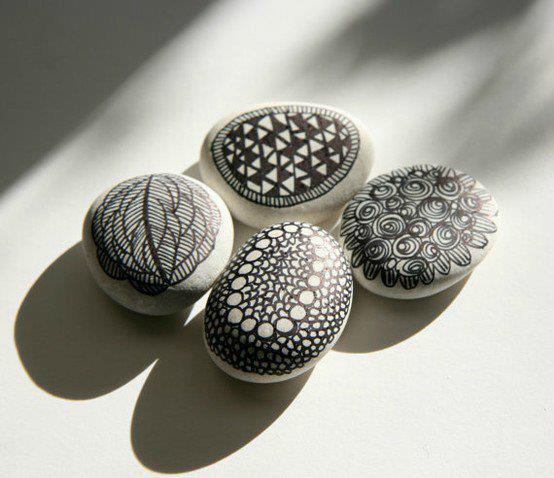 mas piedras pintadas para seguir a elegir