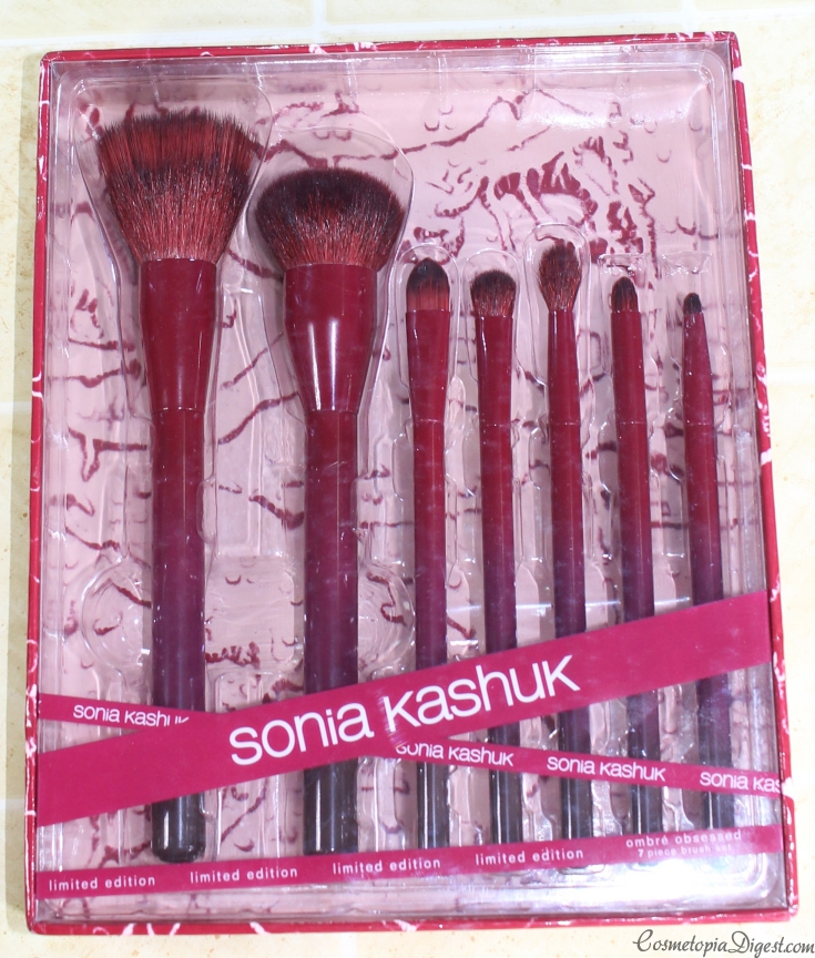 Check out the Sonia Kashuk Ombre Obsessed LE Makeup Brush Set for Fall 2015.