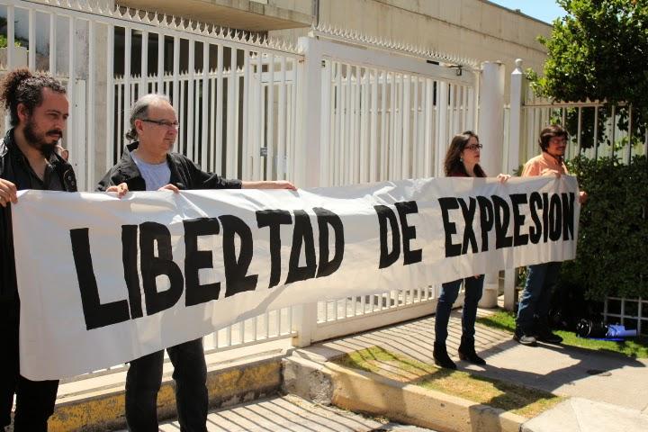 Periodistas refuerzan debate sobre democratización de las comunicaciones en Chile