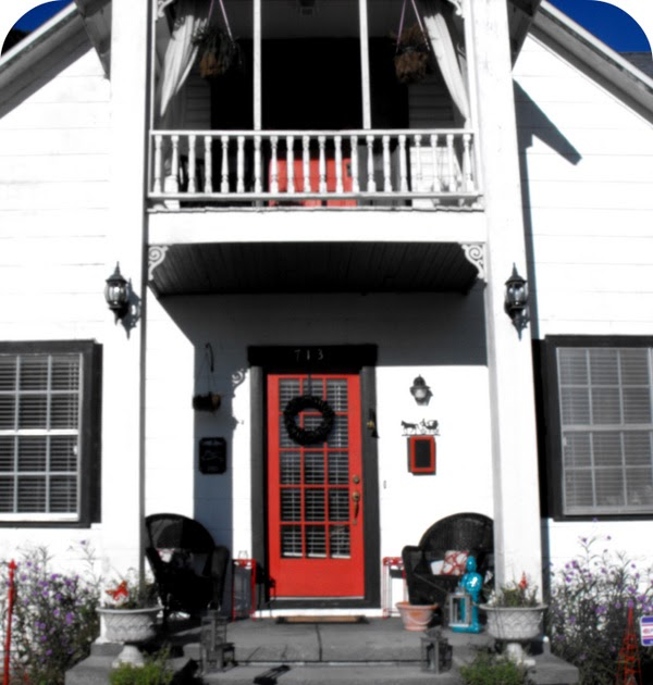 Confessions of a New / Old Home Owner: Halloween Porch Decor