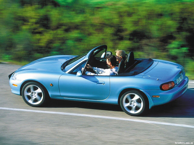 Driving Picture of Mazda MX-5