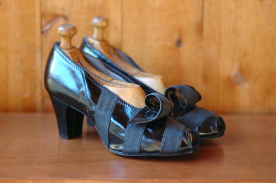 1940s Patent Leather Heels with Grosgrain Ribbon Detail