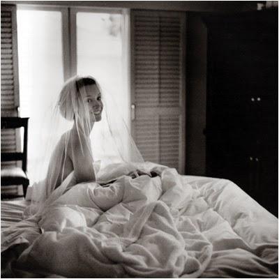 http://www.pixroute.com/yb7mdlxmv1ng/Women_Before_10_A.M_By_Verenique_Vial___Jennifer_Beals.jpg.html