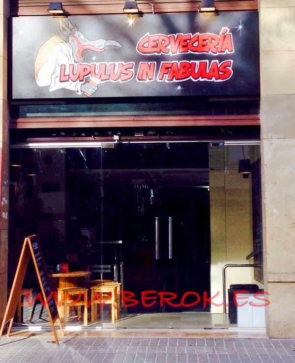 Rotulación de cervecería de Barcelona
