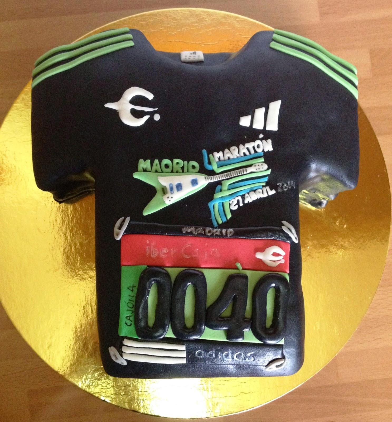 tarta fondant camiseta, tarta decorada camiseta, tarta maraton; tara decorada maraton; tarta fondant maraton de madrid; tarta decorada maraton de madrid