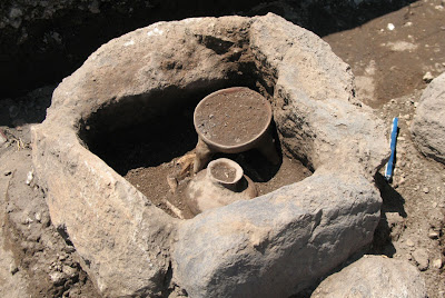 Twelve prehispanic burials unearthed in Mexico