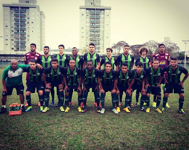 Joriwinnyson Rodrigues De Periquito Para o Mundo em Campo pra defender o América Mineiro pela Copa São Paulo de Futebol Jínior