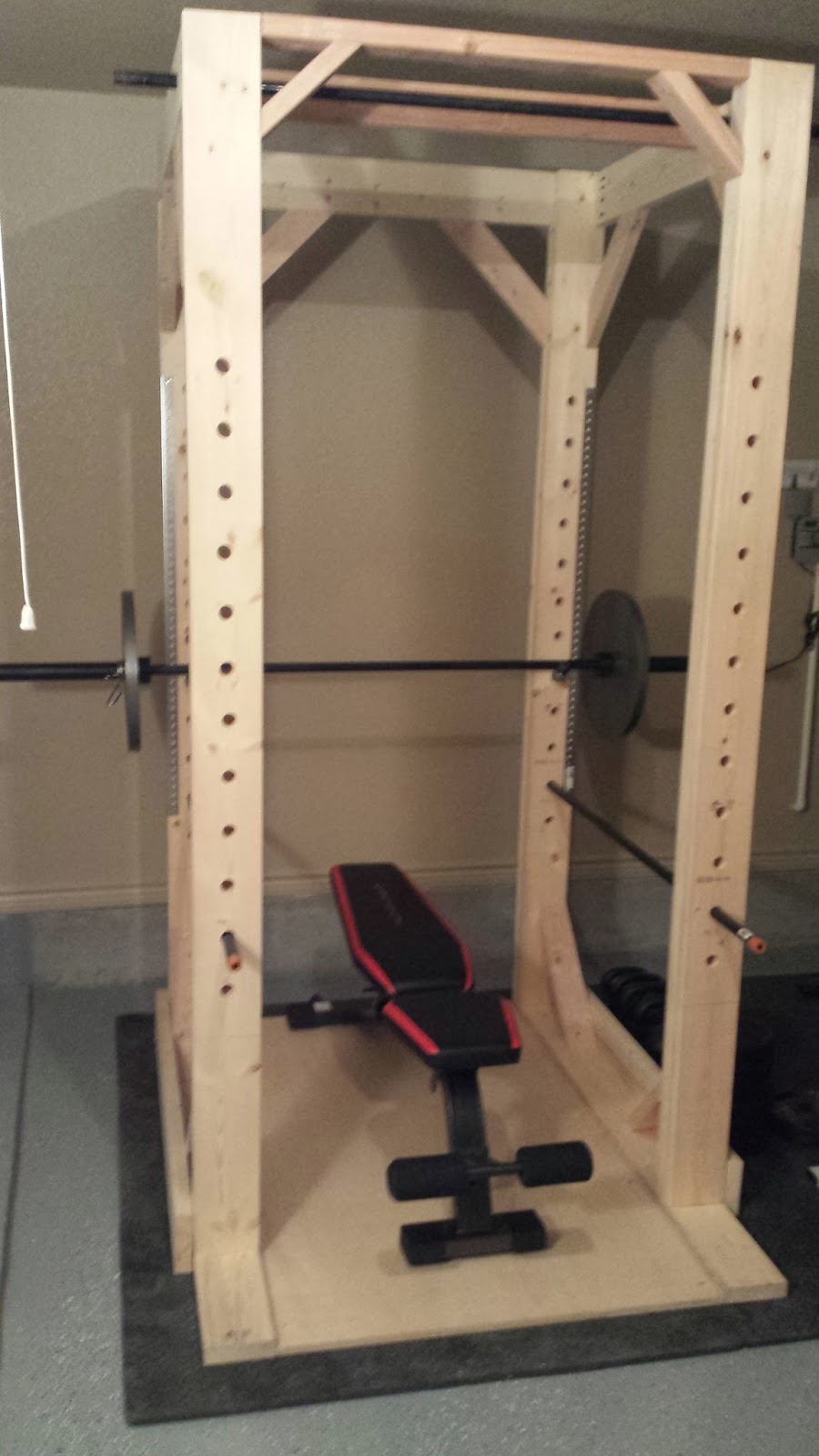 Diy woodworking easy to build diy power rack squat rack for A squat rack