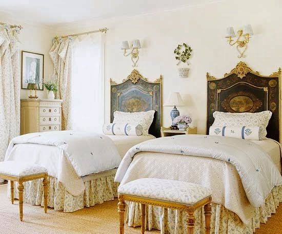 Eye For Design: Decorating With Painted Headboards
