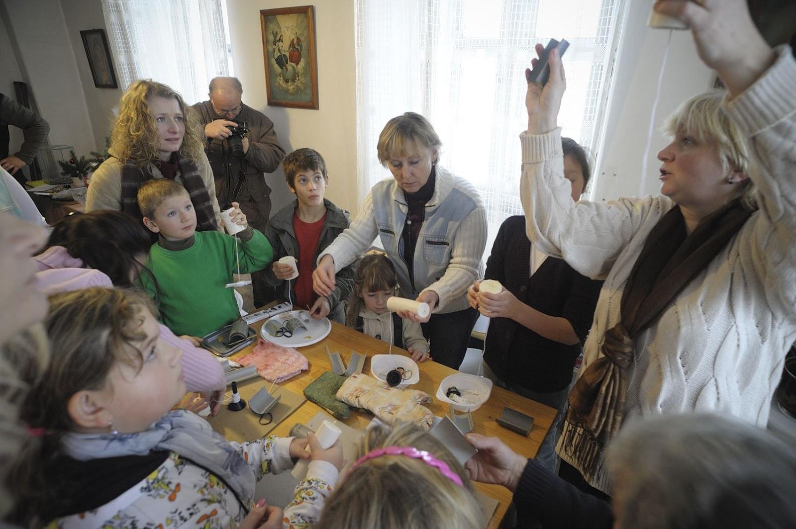 Advent na Krásné 28. 11. 2010 - tvořivé dílničky