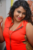 Jyothy sizzling at MOM launch event-thumbnail-5