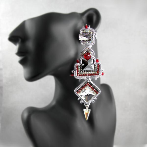 Wieczorowe kolczyki z kryształami Swarovski.