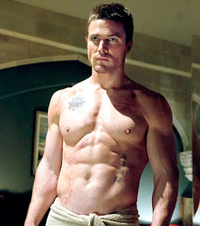 shirtless Stephen Amell abs muscles