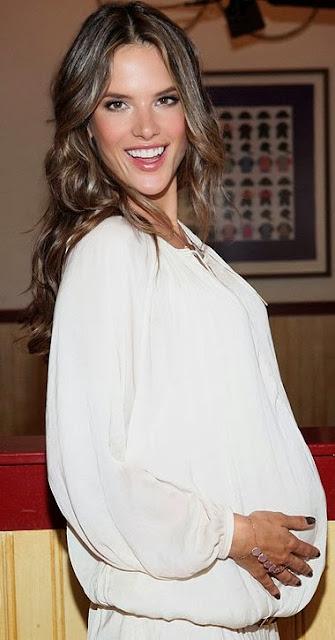 Alessandra Ambrosio feliz con embarazo