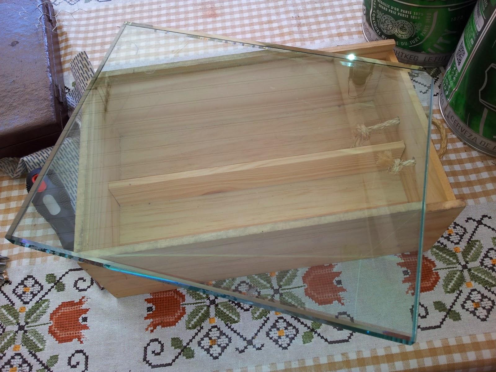 Oficina do Quintal: Como fazer uma Bandeja de Vidro #6A4433 1600x1200