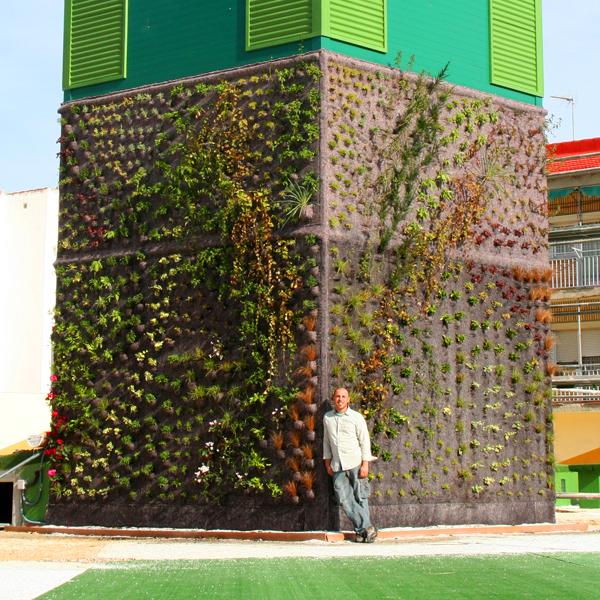 Casas ecologicas diferentes sistemas para realizar muros for Sistema de riego jardin vertical