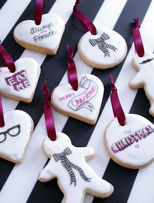 http://www.hydrangeagirl.com/2013/11/diy-edible-ornaments.html